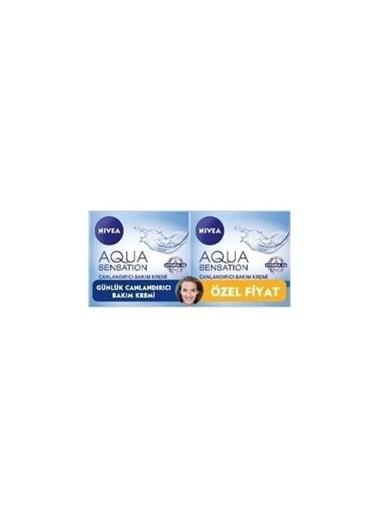Nivea Aqua Nemlendirici Krem 50Ml+50Ml Çantalı Set Renkli